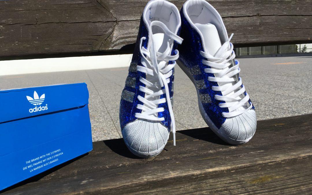 Adidas personalizzate con glitter, resisteranno?